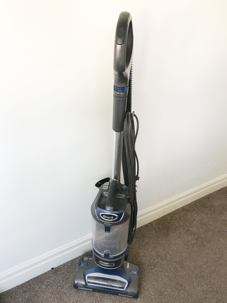 shark lift away vacuum